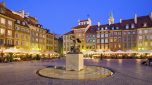 Varsavia – Città Fenicia ricostruita dalle ceneri phoenix ciity